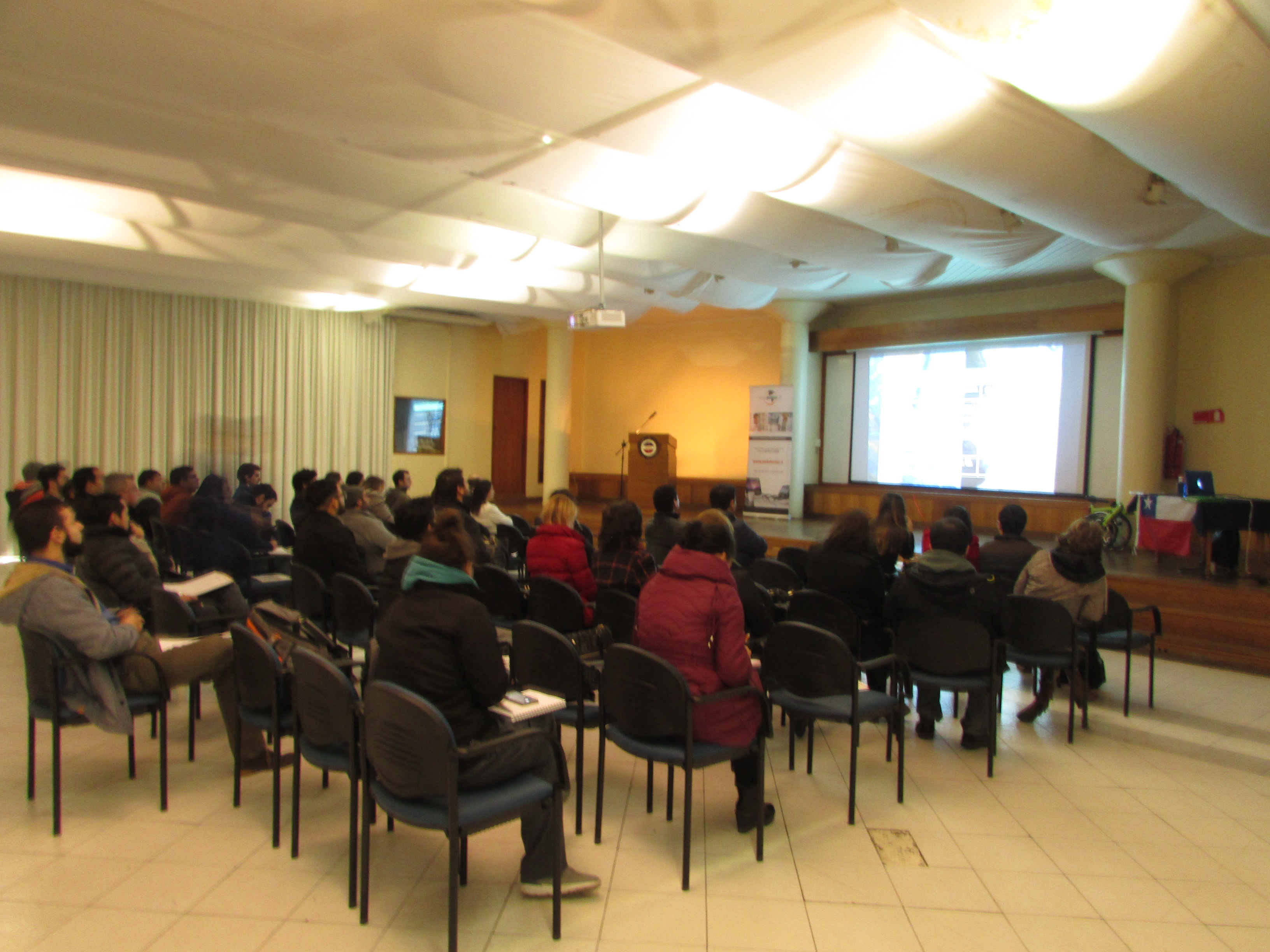 """Conferencia Internacional """"Actualidades periodontales y peri-implantares"""""""