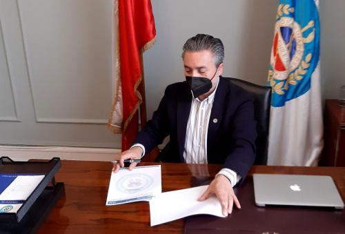 Dr. Patricio Moncada